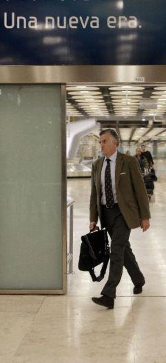 El Sr. Bárcenas llega a la T4 de Barajas