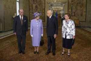 Isabel con Giorgio Napolitano y su mujer