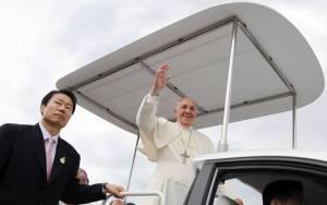 Papamóvil en Corea